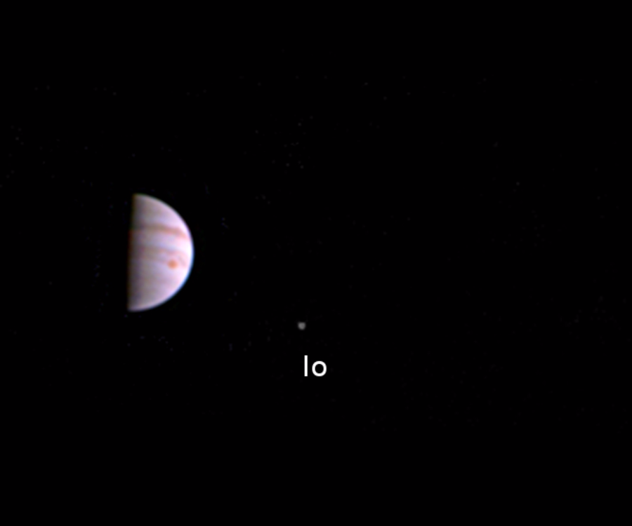 NASA'NIN UZAY ARACI JUNO JÜPİTER'DEN İLK FOTOĞRAFINI YOLLADI