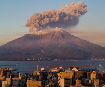 JAPONYA'DA 30 YIL İÇİNDE BÜYÜK BİR YANARDAĞ PATLAMASI BEKLENİYOR